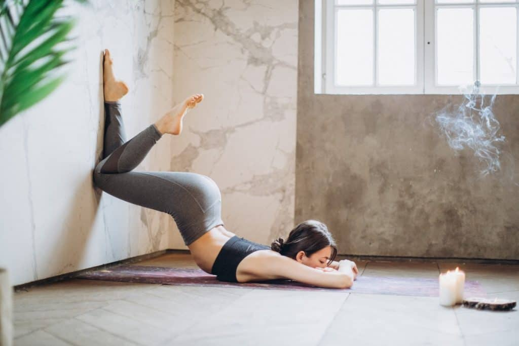 Make money online as a yoga teacher - Teaching yoga from home